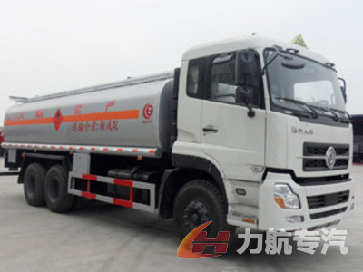 东风天龙后双桥型化工液体运输车图片