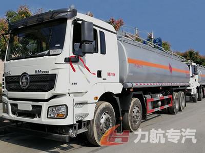 陕汽德龙M3000前四后八20吨油罐车