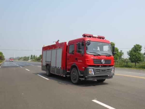 东风专底6吨水罐消防车