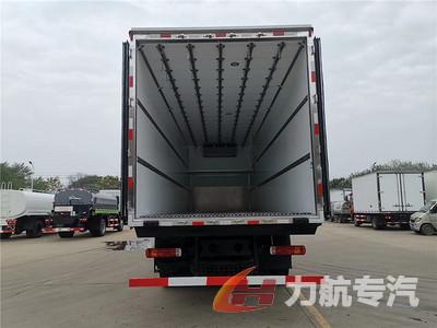 解放9.6米冷藏车图片