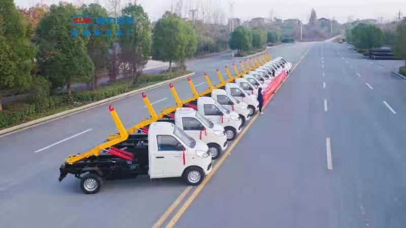 国六3方福田小卡勾垃臂圾车厂家配置价格多少